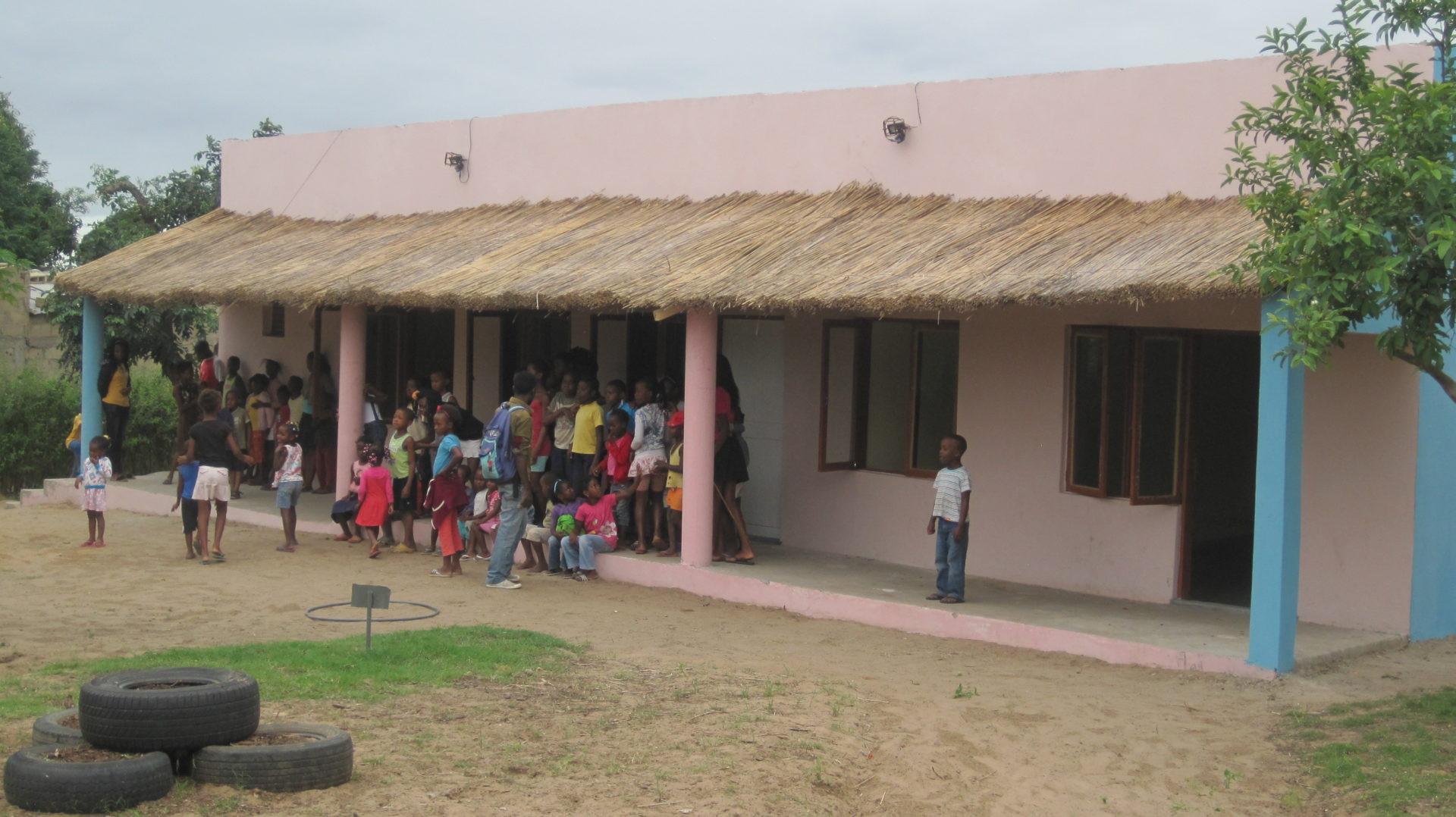 Begegnungszentrum Khongolote fertig